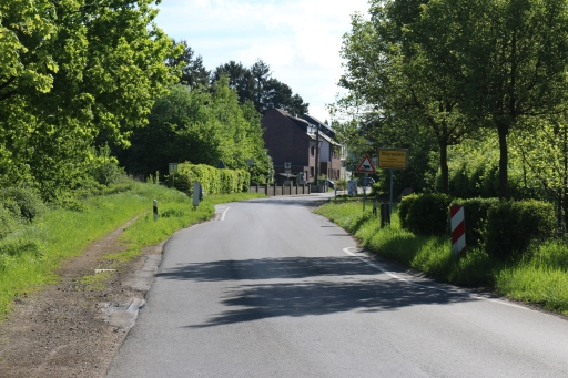 Village entrance Euchen from road L223